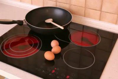 В чем разница между электрической и индукционной плитой