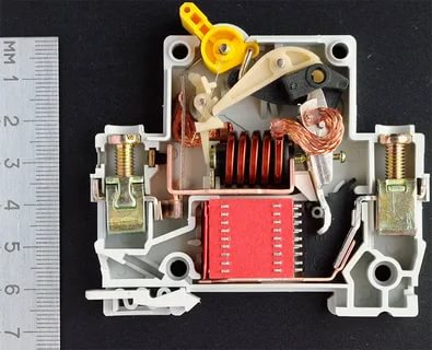 Как работает электрический автомат
