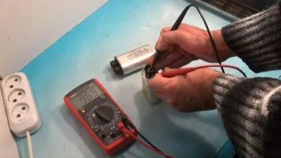 Как проверить конденсатор на холодильнике