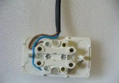 Как подключить провода в розетку