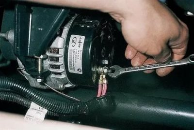 Какое напряжение должен выдавать генератор на ваз 2112