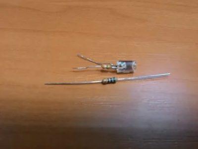 Как правильно паять резистор
