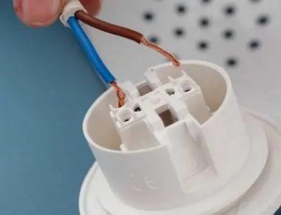 Как правильно подключить провода к патрону